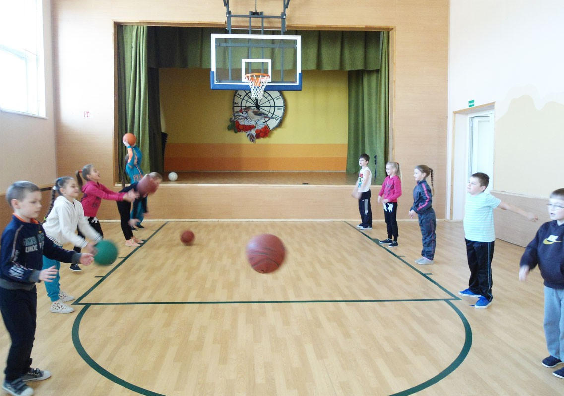 Dorfschule Želsva - Renovierte Turnhalle