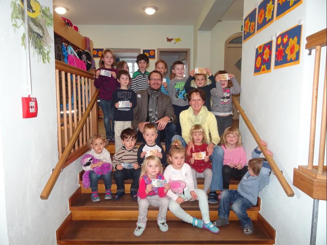 Kindergärten Hohenwart und Hörzhausen spenden bild 2