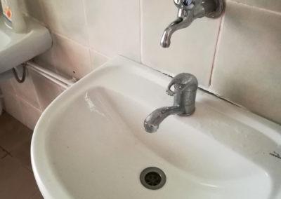 schule-zelsva-sanitaerraueme-waschbecken