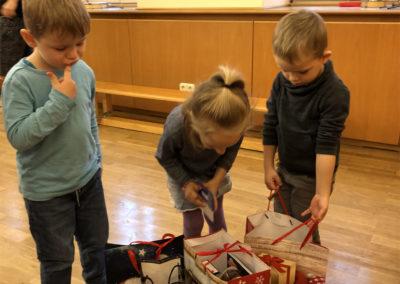 Kindergarten Sonnenschein in Hohenried Weihnachtstüten und Kinder