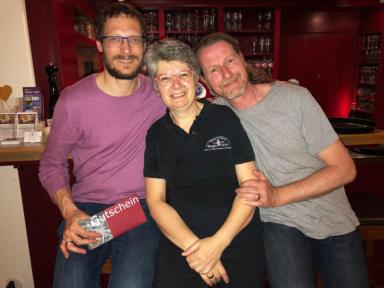 Gasthaus Bogenrieder und Paddy Whack 2019 - Sieglinde, Paddy Whack und Sven Übergabe