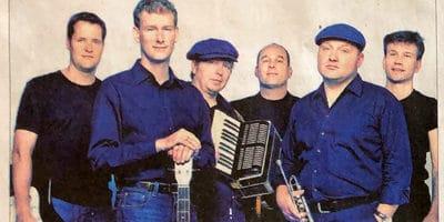 6 feierwütige Musiker beim Bogenrieder