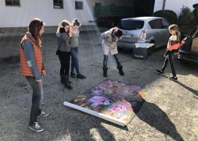 Ulrike Halfmann Künstlerin Spenden für Kaunas Schafdruck am Boden